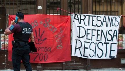 Artesanos Calle Defensa